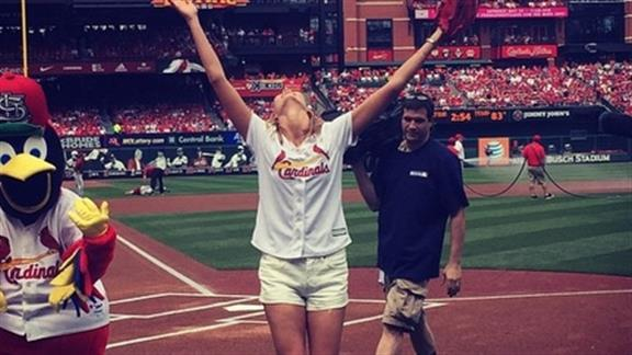 Karlie Kloss swaps runway for pitchers mound