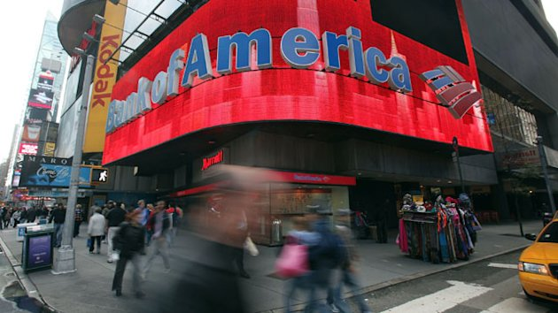 Bank of America Customer Delivers 153,000 Signatures in Petition Over Fee (ABC News)