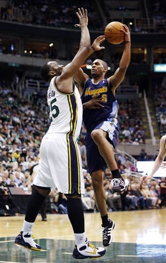 Jazz easily beat Nuggets for 6th straight win