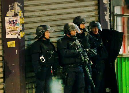 'Gunfire erupts in Paris as police swoop on suspected mastermind' from the web at 'http://l3.yimg.com/bt/api/res/1.2/1DS1bhSQOI.GkWcAVoTwXA--/YXBwaWQ9eW5ld3M7Zmk9ZmlsbDt3aWR0aD0zMDA7aGVpZ2h0PTE1NjtxPTc1O3B5b2ZmPTMw/http://media.zenfs.com/en_us/News/Reuters/2015-11-18T053656Z_1007000001_LYNXNPEBAH08M_RTROPTP_2_CNEWS-US-FRANCE-SHOOTING.JPG.cf.jpg'