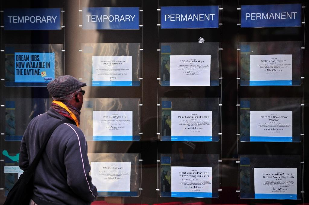 UK unemployment dips as election looms