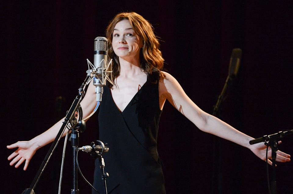 "Actress Carey Mulligan performs at ""Another Day, Another Time: Celebrating the Music of Inside Llewyn Davis"" at The Town Hall on Sunday, Sept. 29, 2013 in New York. (Photo by Evan Agostini/Invision/AP)"