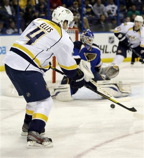 Rinne backstops Predators to 6-1 win over Blues