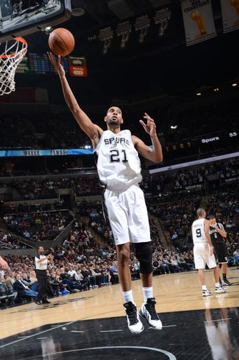 Parker leads Spurs over Nets for 6th straight win