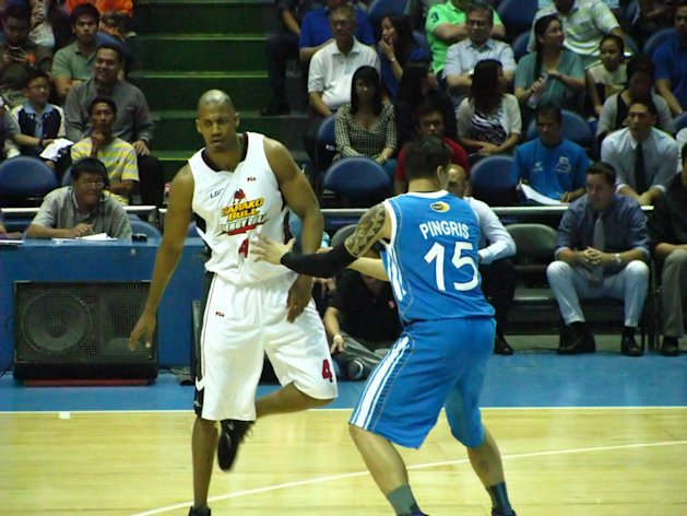 Evan Brock had a good debut for Barako Bull. (Photo by Yahoo! PH Sports)