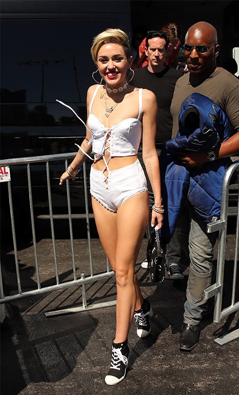 Miley Cyrus Wears Tiny White Ensemble at iHeart Radio Music Festival After Announcing Split From Liam Hemsworth: Picture