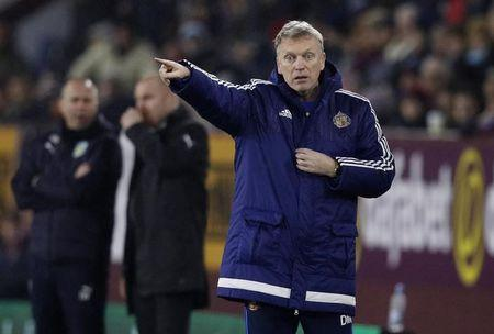 Moyes frustrated by lack of options at Sunderland