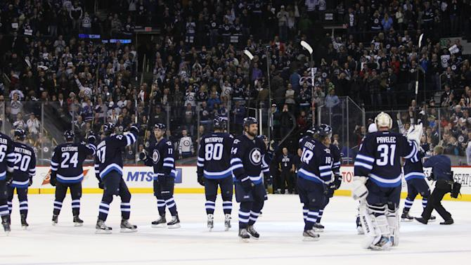 NHL: Toronto Maple Leafs at Winnipeg Jets