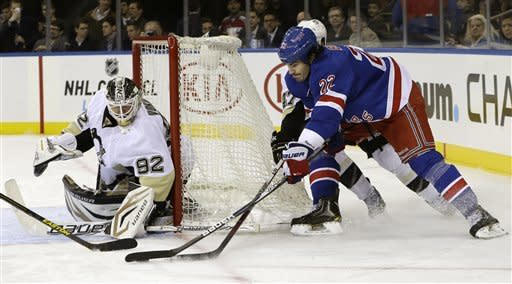 Vokoun shuts out Rangers in Penguins' 3-0 win