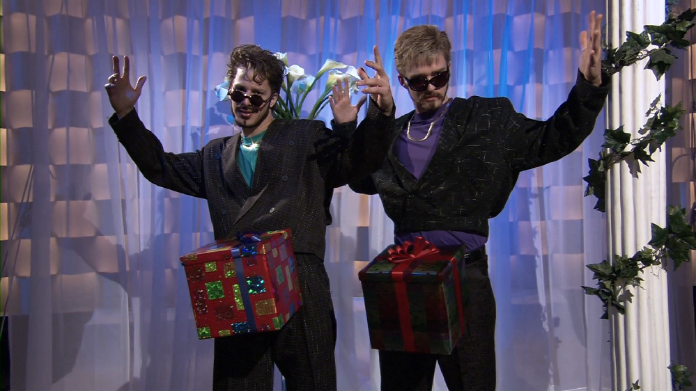 'Saturday Night Live' #TBT: A Christmas Treat in a Box