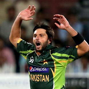 Angry Afridi hits back in sexism row