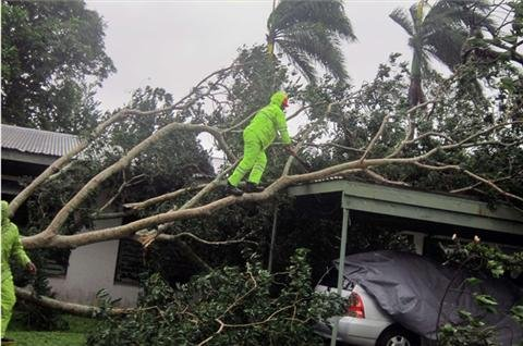 Cyclone Evan strikes Fiji