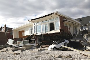 Hurricane Sandy: Helping the victims