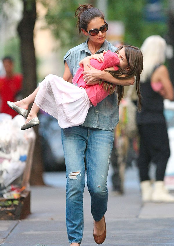 Suri Cruise's Public Tantrum This Week — Because Of Divorce?