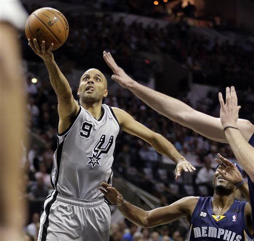 Parker guides Spurs to 2-0 lead in West finals