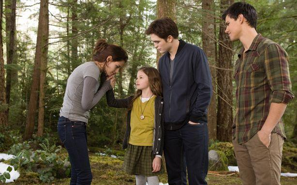 'Breaking Dawn Part 2': 'Twilight' Finally Gets Fun