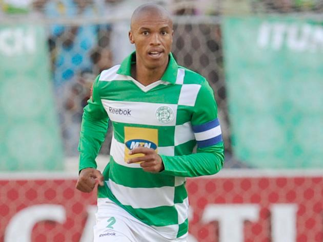 Nthethe pens new Celtic deal