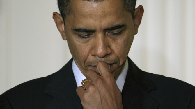 Economists' advice for Obama: Avoid 'fiscal cliff'
