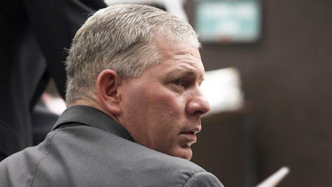 FILE - Former New York Mets outfielder Lenny Dykstra is seen during his sentencing for grand theft auto in Los Angeles in this March 5, 2012 file photo. Dykstra has been sentenced in Los Angeles Monday, Dec. 3, 2012, to six and a half months in prison for hiding and selling sports memorabilia and other items that were supposed to be part of his bankruptcy filing. (AP Photo/Nick Ut, File)