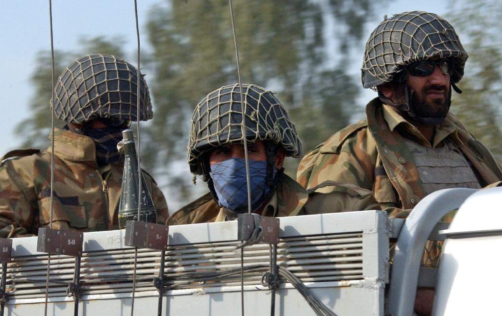 Suicide bomber kills six in NW Pakistan: officials