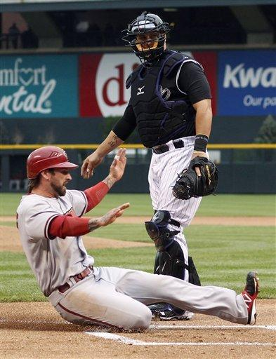 Helton's 9th-inning homer gives Rockies 8-7 win