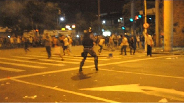 Protesters clash with police in Rio