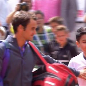 French Open selfie seeker upsets Roger Federer