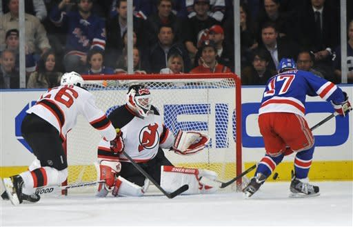 Brodeur, red-hot Devils blank Rangers 1-0