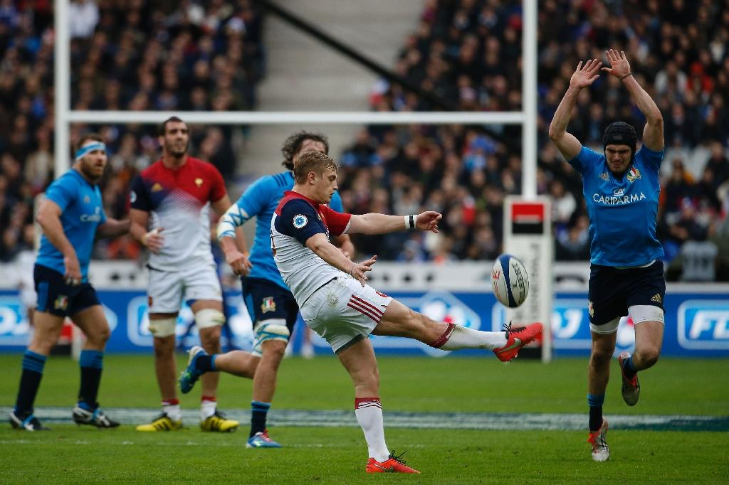 France survive spirited Italy challenge in Six Nations