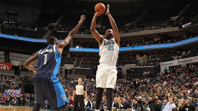Jefferson, Bobcats get rare win over Mavs 114-89