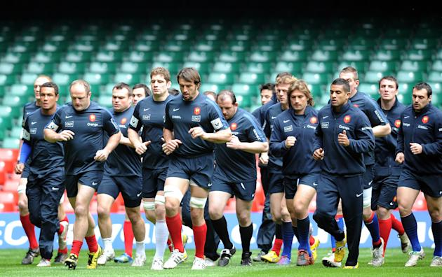 France's rugby union national team players take part in a training session on March 16, 2012 at the Millenium stadium in Cardiff, on the eve of their rugby union 6 Nations' match against Wales. AFP PH