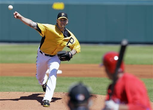 Burnett walks in 2 runs in Pirates loss