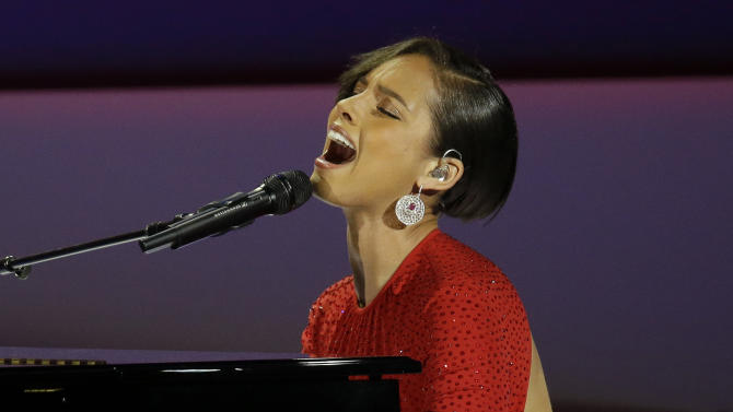 FILE - This Jan. 21, 2013 file photo shows Alicia Keys performing during Inaugural Ball in the Washington Convention Center at the 57th Presidential Inauguration in Washington. Fresh off her national anthem performance at the Super Bowl, Keys set to be the halftime entertainment  for the NBA All-Star game on Feb. 17 in Houston.  (AP Photo/Paul Sancya)