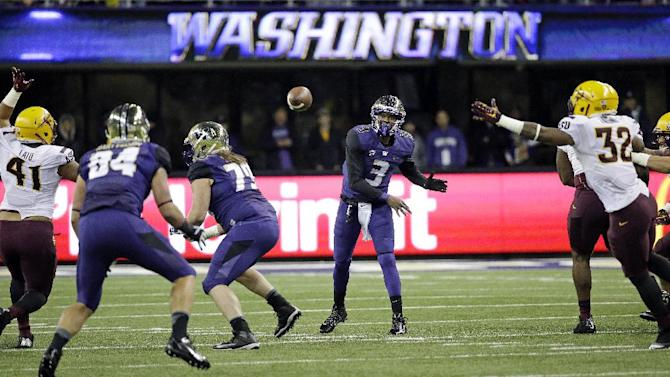 Washington quarterback Troy Williams (3) passes against Arizona State during the first half of an NCAA college football game Saturday, Oct. 25, 2014, in Seattle