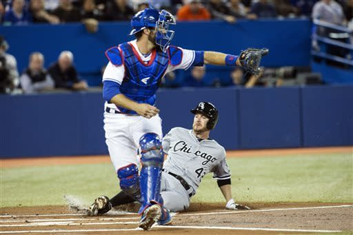 Buehrle gets win as Blue Jays edge White Sox 4-3
