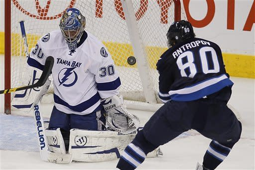 Stamkos hits 60 goals in 4-3 win