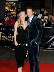 Amanda Seyfried and Eddie Redmayne's romantic duet didn't go too smoothly