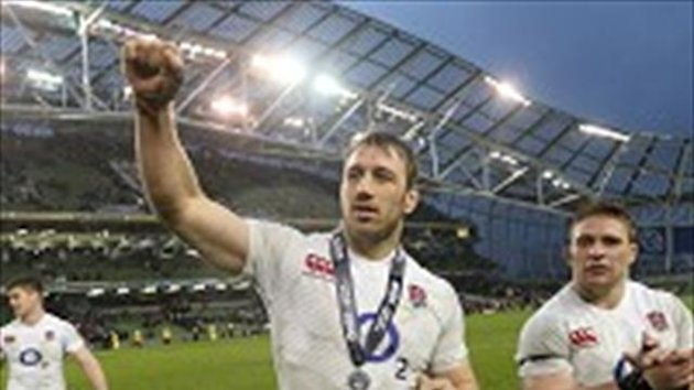 Chris Robshaw, centre, was proud of England's performance against Ireland