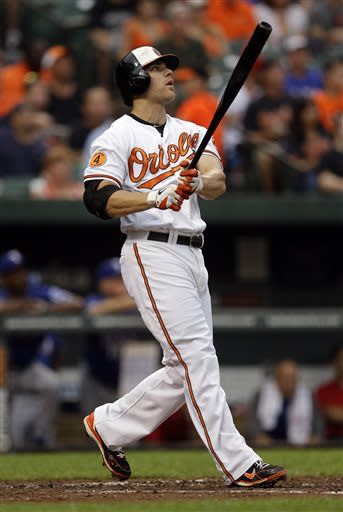 Davis, Roberts homer as Orioles beat Rangers 3-1
