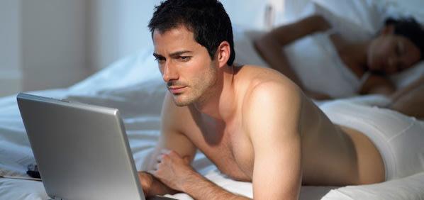Suami-Bisa-Selingkuh-Jika-Keseringan-Nonton-Film-Porno