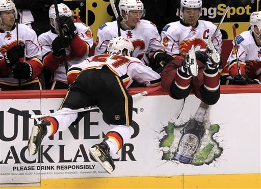 Doan's PP goal lifts Coyotes over Flames 2-1 in OT