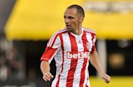 Stoke winger Etherington plays down exit rumours