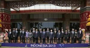 Leaders pose for a family photo at the APEC Summit in Nusa Dua on the Indonesian resort island of Bali