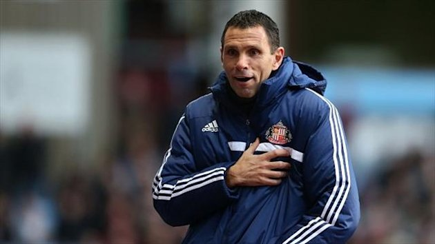 Gus Poyet expects Sunderland will face a strong Chelsea side on Tuesday night