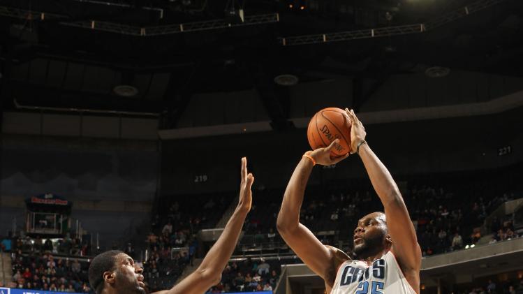 Jefferson leads Bobcats past Pacers 109-87