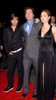 Premiere: Jared Leto, Val Kilmer and Angelina Jolie at the Hollywood premiere of Warner Bros. Alexander - 11/16/2004