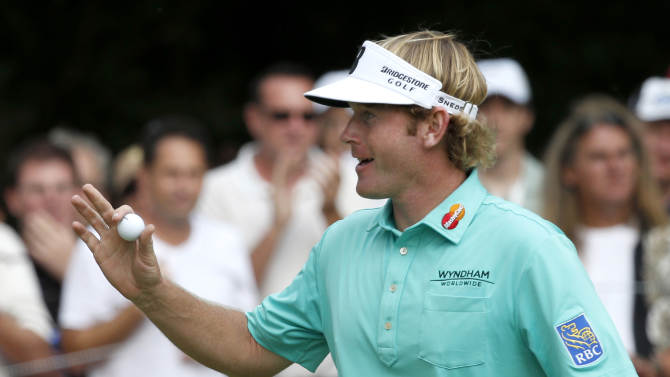 Snedeker has 7 birdies to lead at BMW Championship