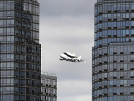 &quot;Enterprise&quot; nach Abschiedsflug in New York gelandet