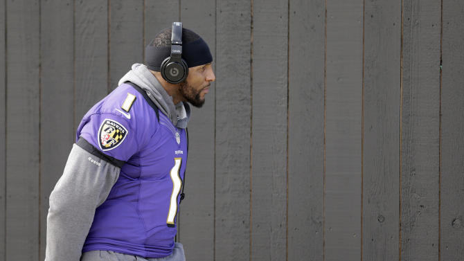 Baltimore Ravens linebacker Ray Lewis walks out to an NFL Super Bowl XLVII practice on Friday, Feb. 1, 2013, in Metairie, La. The Ravens face the San Francisco 49ers in Super Bowl XLVII on Sunday, Feb. 3. (AP Photo/Patrick Semansky)