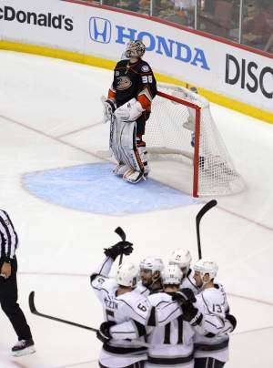 LA Kings eliminate rival Ducks 6-2 in Game 7